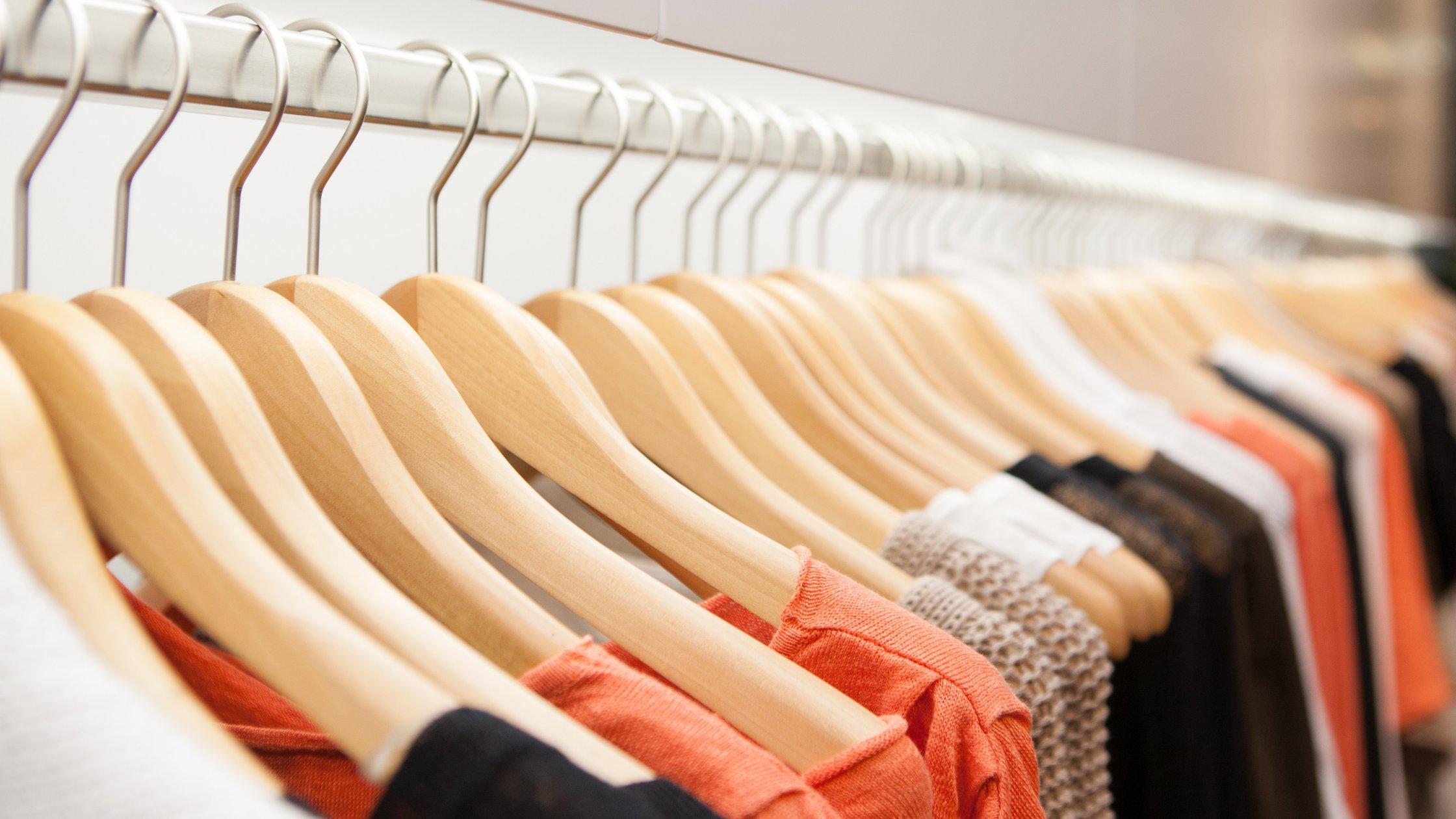 Passo-a-passo para organizar seu guardar roupa